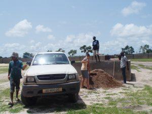 Beim Bau helfen